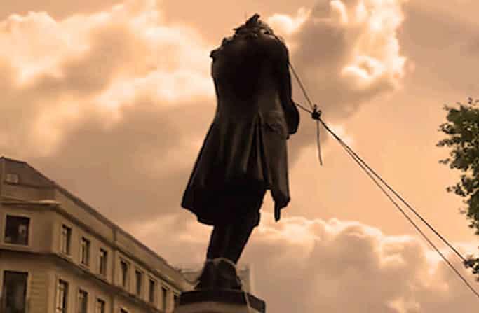 Sanificazione del passato, abbattimento di statue e psicosi di massa